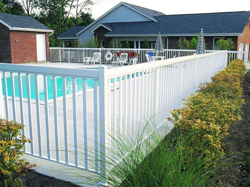 superior-series-9900-white-aluminum-railing-3