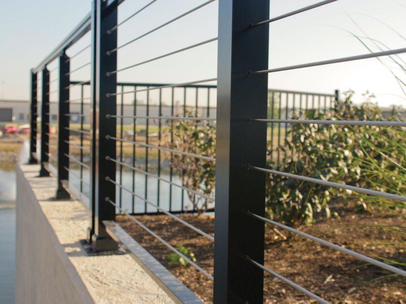 superior-aluminum-series-2000-cable-rail-black